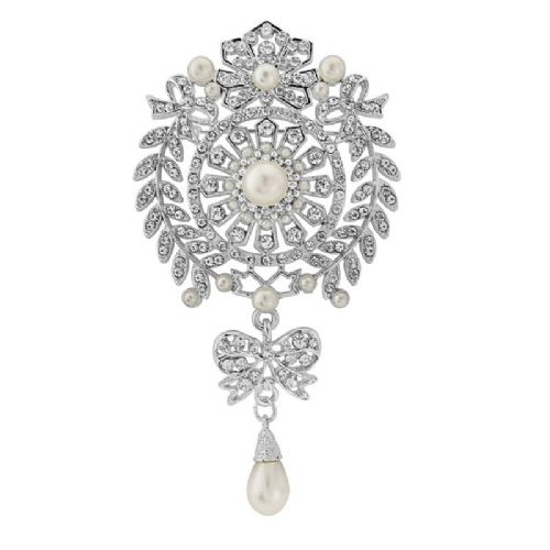 Vintage crystal bridal brooch with pearls
